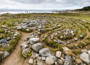Каменные лабиринты на Большом Заяцком острове. На терр